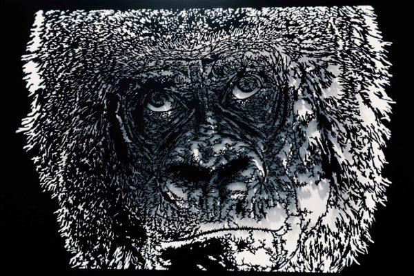 Gorille sculpture sur panneau bois découpé et rétroéclaire l180xh105